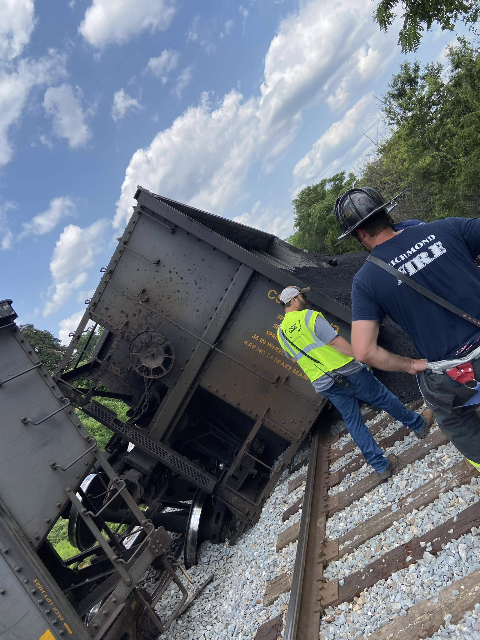 Multiple freight cars carrying coal tip over in Richmond